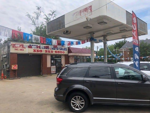 Best Deals 2 Auto Sales on East Tallmadge Avenue in Akron.