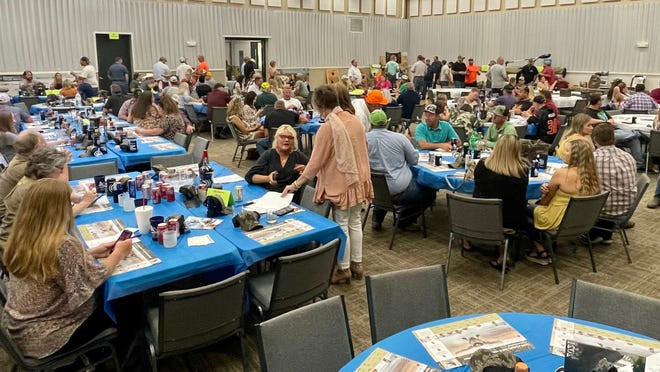 The nearly sold out venue brought hunting enthusiasts together for an evening of fun and fundraising.