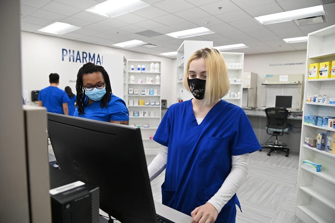 Davidson Davie Community College students get hands-on experience in a retail pharmacy tech classroom