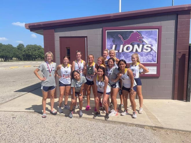 The Stephenville junior varsity girls cross country team took 1st place on Wednesday at the Brownwood Invitational.