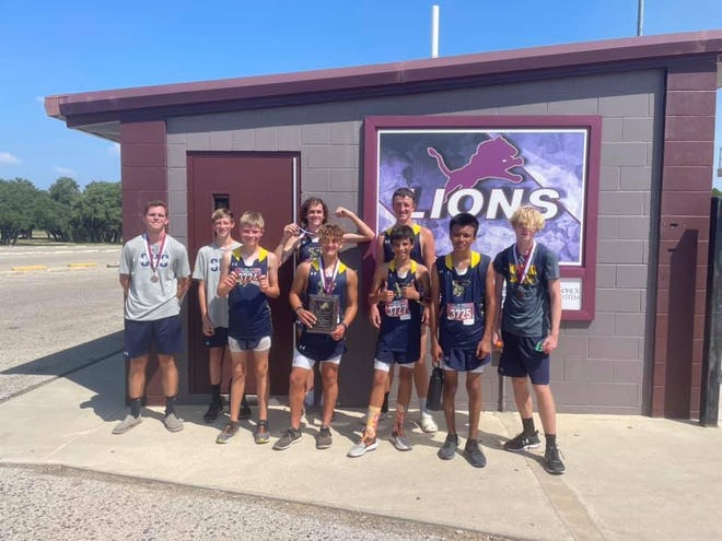 The Stephenville junior varsity boys cross country team took 1st place on Wednesday at the Brownwood Invitational.
