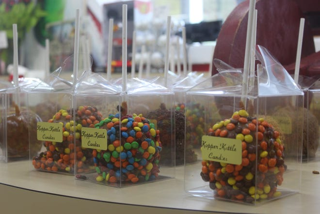 Kopper Kettle Candies Karamel Apples have made their return to the candy shop for the fall