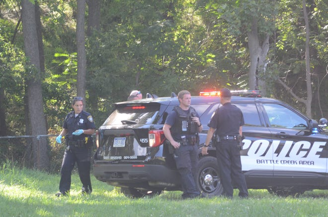 Battle Creek police at the scene of the Wednesday afternoon shooting.  (Trace Christenson/The Enquirer)