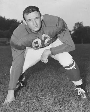 Cecil Souders graduated from Bucyrus High School in 1939 and went on to play for Ohio State and the Detroit Lions.