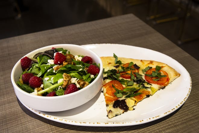 Una combinazione di pizza alla Healthy Italian Kitchen di Picasso il 1 settembre 2021 a Gilbert, Aris.