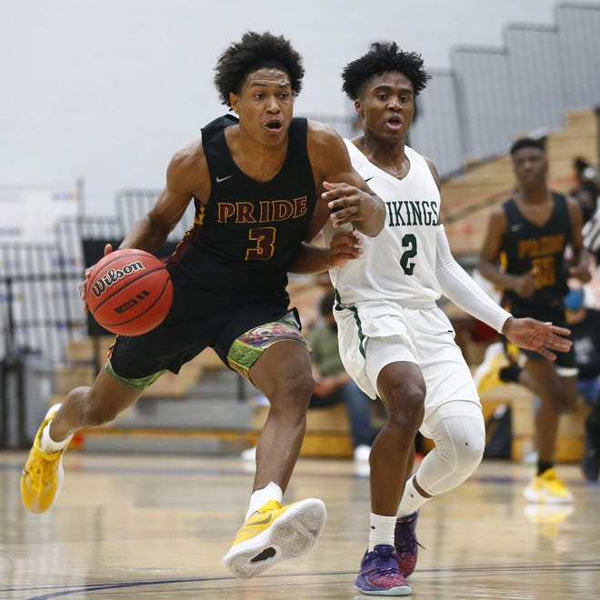 Mar. 20, 2021; Gilbert, Arizona, USA; Mountain Pointe's Roosevelt Washington (3) drives against Sunnyslope's Oakland Fort (2) during the 6A State Championship game at Mesquite High School. Mandatory Credit: Patrick Breen-Arizona Republic