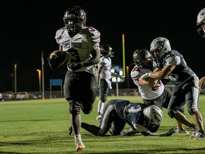 South Sumter's Jamare Dorsey (3) scores during a game between South Lake High School and South Sumter High School in Groveland on Thursday, Sept. 2, 2021. [PAUL RYAN / CORRESPONDENT]