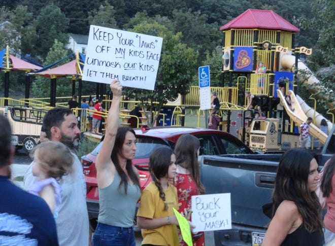 Supporters of keeping parental rights in the school face mask issue assembled at Bingham Park, August 31.
