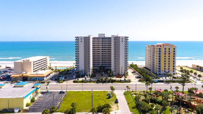 Towers Grande offers its residents an extensive menu of amenities, including two heated oceanfront pools, two oceanfront spas, beach access, an oceanfront fitness center, a billiards area and a resident's lounge.
