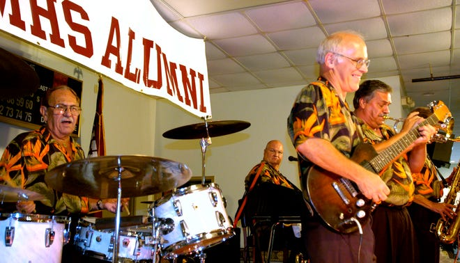 """In this file photo from Sept. 6, 2006, the Eddie Knight Band, using the alternate band name """"Da Bears,"""" performs at the Mishawaka All-Class High School reunion Wednesday at the Mishawaka FOP."""