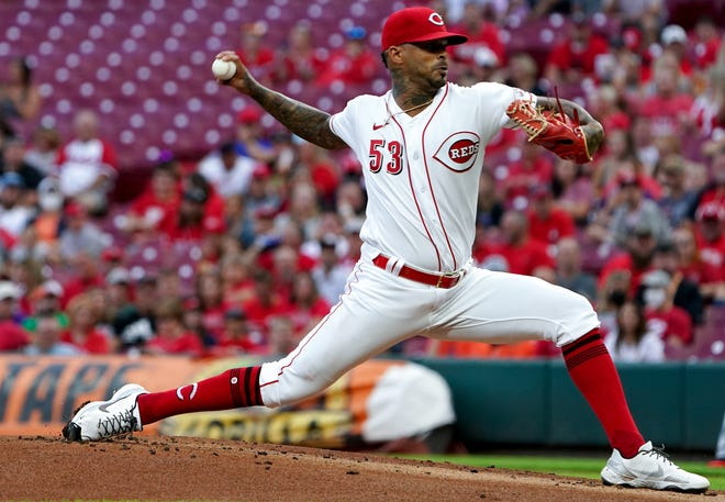 Cincinnati Reds starting pitcher Vladimir Gutierrez (53) delivers in the first inning against the Detroit Tigers, Friday, Sept. 3, 2021, at Great American Ball Park in Cincinnati.