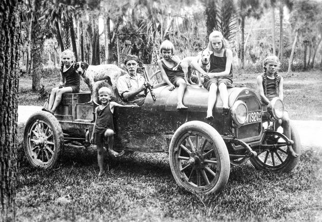 A family on the road near Tomoka around 1921. The main park area was popular spot even before it was a state park. In the 1920s it was called Sunset Park.