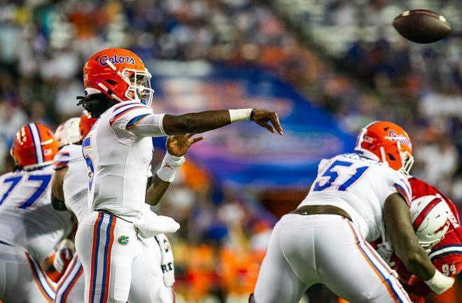 Emory Jones made his debut as Florida's starting quarterback Saturday against Florida Atlantic at Ben Hill Griffin Stadium.