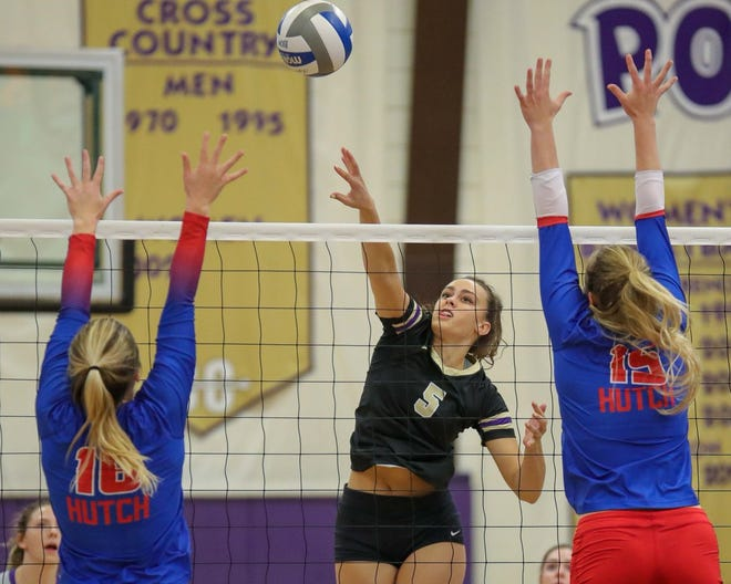 The Butler Grizzlies volleyball team swept Hutch on Monday, Sept. 3 to continue their 5-game winning streak
