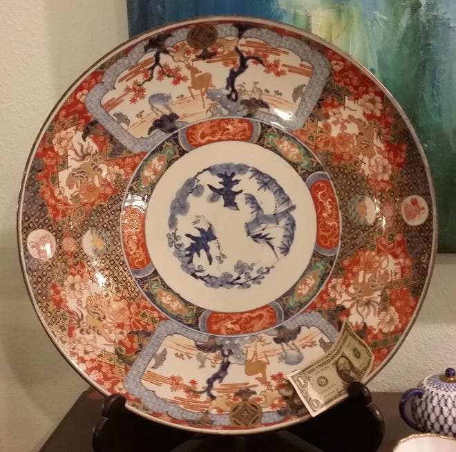 An example of Japanese Imari ware exported in large quantities to Europe, England and America in the 17th century.