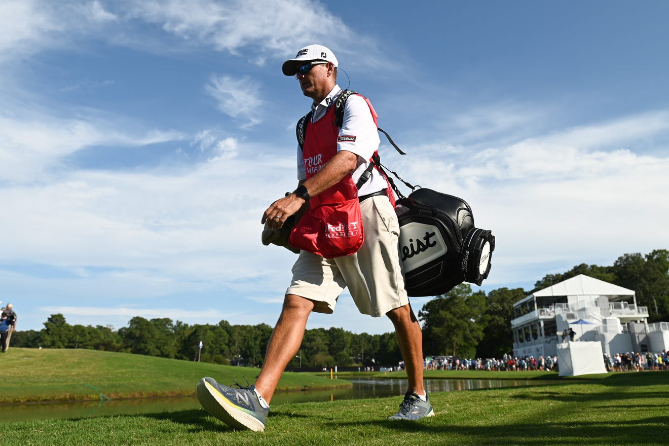 Patrick Cantlay's caddie gets cut from Tour Championship ...