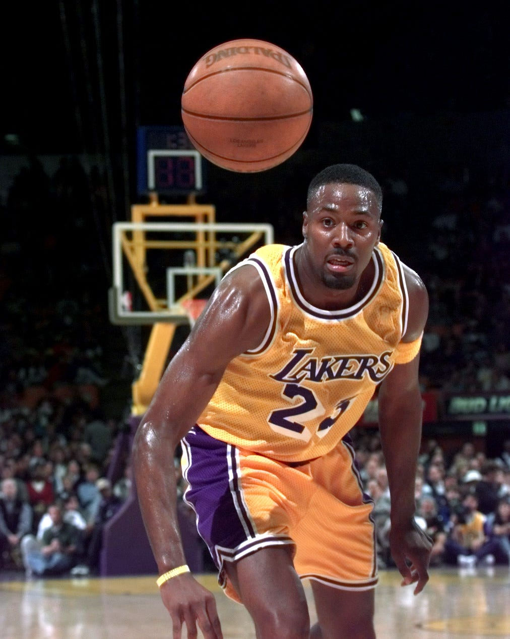 Ex-NBA player Cedric Ceballos asks for prayers as he battles COVID-19 in intensive care unit
