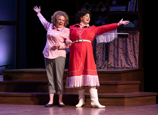 """Lauren Wilson returns as the superfan Louise Seger, with Rosie Webber playing her superstar friend, in """"Always...Patsy Cline."""""""