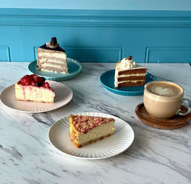Dose of Sugar recently opened in Hamtramck with cakes and coffee drinks.
