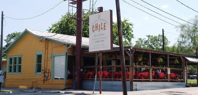 El Chile Cafe y Cantina opened on Manor Road in 2003.