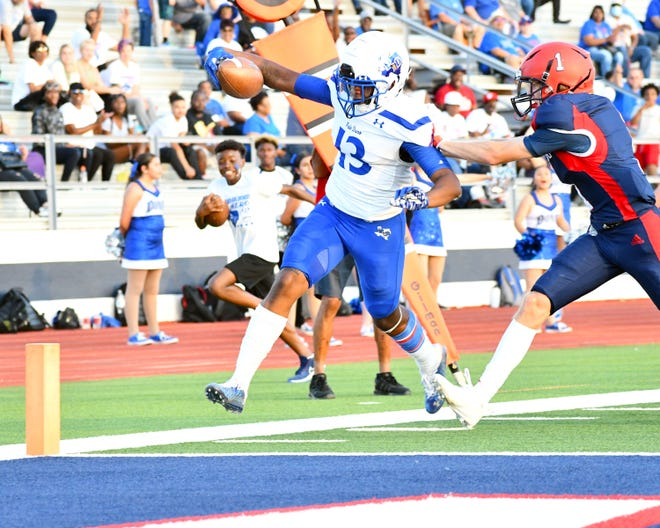 Palo Duro wide receiver King Tallant goes in for the score last Friday night against Plainview