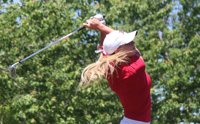 Former Lady Indian Reagan Chaneydeliveredan 11-under 133for first place in her debut for the Oklahoma City University women's golf team.