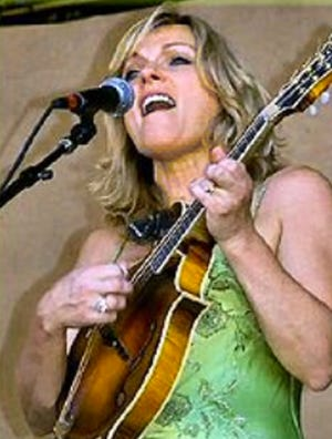 """Highly-decorated bluegrass music star Rhonda Vincent, a north Missouri native, will perform a benefit concert to aid the northwest Missouri chapter of the Dream Factory Wednesday, Oct. 6, at Trenton High School. A public """"meet-and-greet"""" event will be held earlier that day in Chillicothe."""