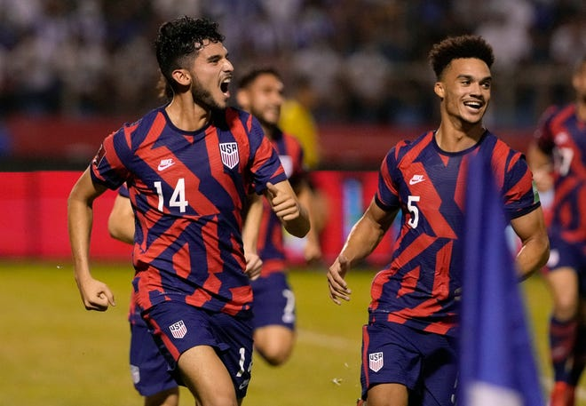 United States' Ricardo Pepi, left, had a goal and an assist in a 4-1 win over Honduras on Wednesday.