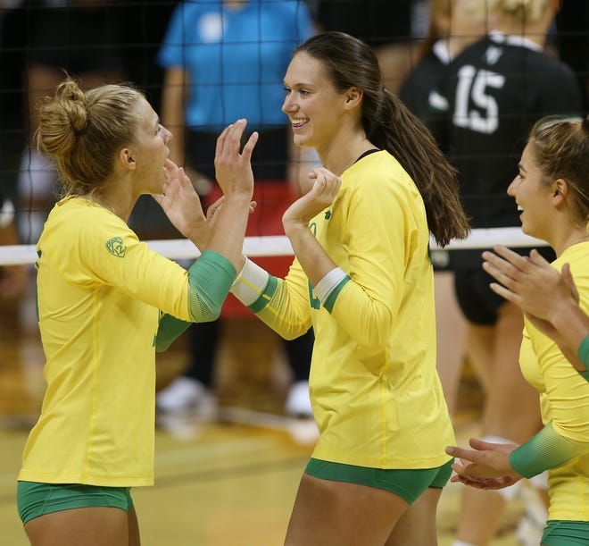 Oregon's Abby Hansen plays against Portland State in Oregon Invitational last month.
