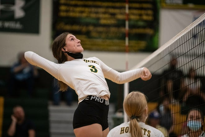 Oakdale Golf, Volleyball Girls See Tourney, League Action