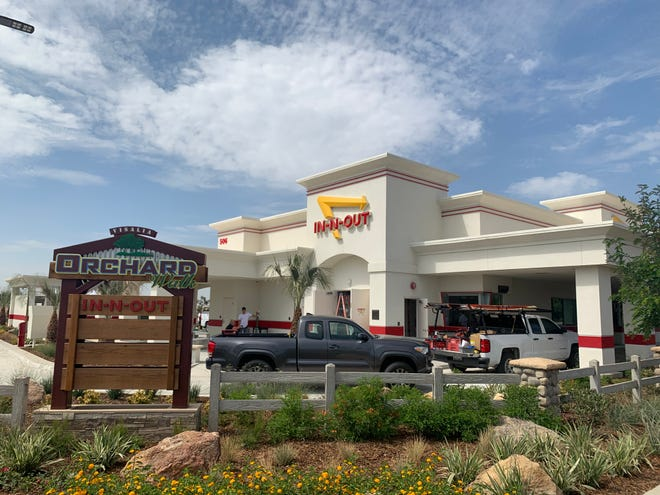 Visalia's second In-N-Out Burger will open Friday at the corner of Dinuba Boulevard and Riggin Avenue.