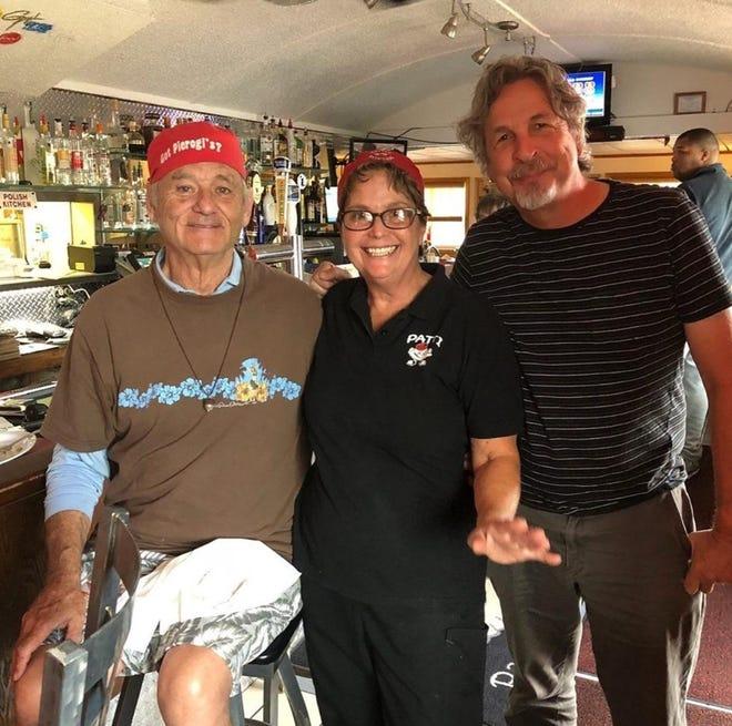 Bill Murray, z prawej, z Pattie Jerry, właścicielką Patty Perugis, w środku i Peter Farrelly, z lewej.