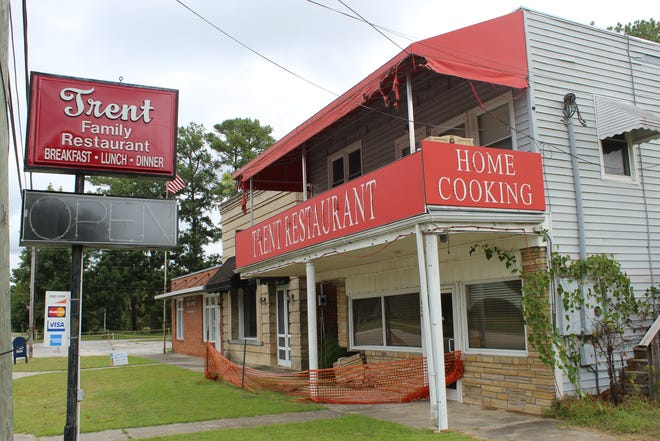 Trent Family Restaurant in Pollocksville was never able to reopen after Hurricane Florence. Now the only restaurant in town is Grilling Buddies.