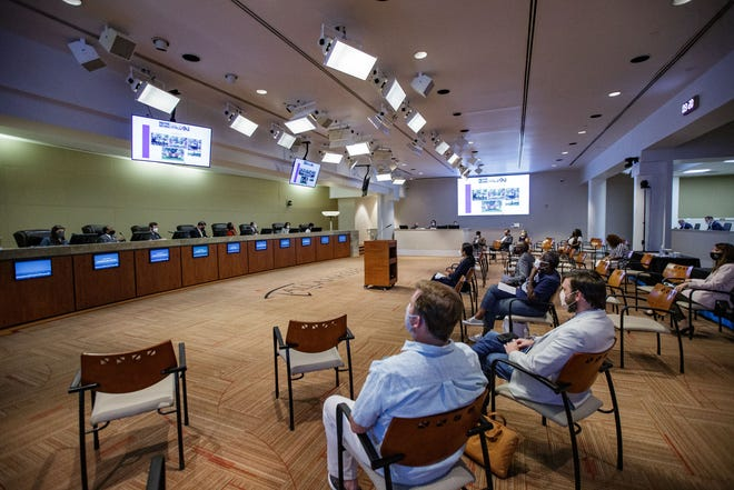 Members of the community attend a Tallahassee City Commission CRA meeting at City Hall on Thursday, Sept. 9, 2021.