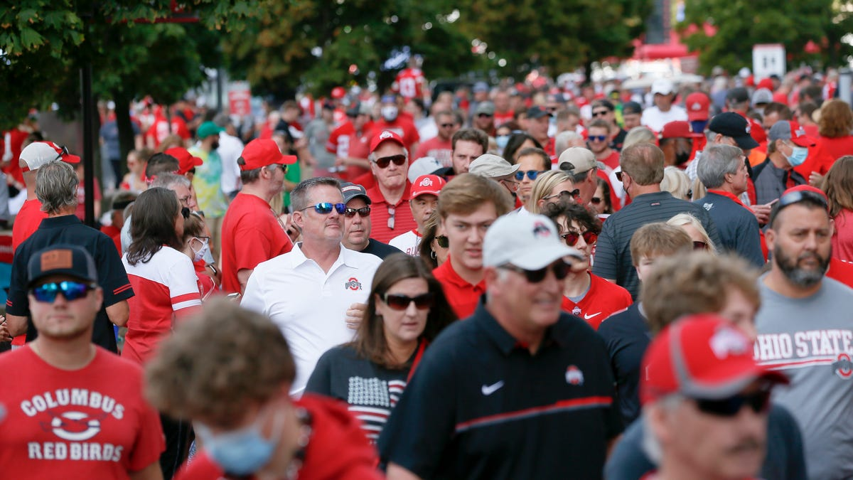 Mailbox: Does it make any sense to sit maskless in a packed Ohio Stadium?