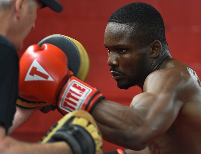 Derick Miller of  Joe's-ALCC Boxing Club won a professional fight in Detroit Friday night.