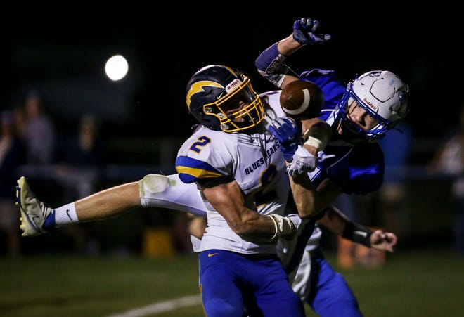 Owen Sampson of Ida breaks up a pass intended for Dundee's Elek Lapalme in the endzone during a 16-15 Ida win Friday night.