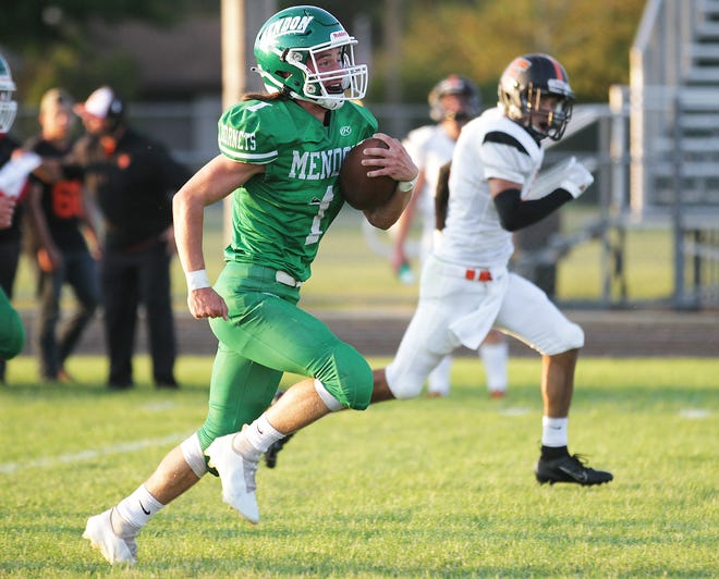 Evan Lukeman of Mendon breaks free for the first touchdown of the game against Fennville on Friday.