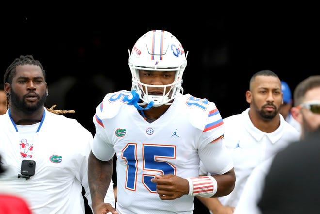 Florida quarterback Anthony Richardson is on track to play Saturday, coach Dan Mullen said Wednesday.