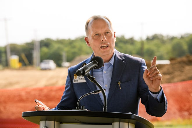 MU Health Care CEO Jonathan Curtright speaks during a ground breaking ceremony for the MU Health Care Jackson Road Medical Building in Boonville, Mo. on Friday, Sept. 10, 2021.