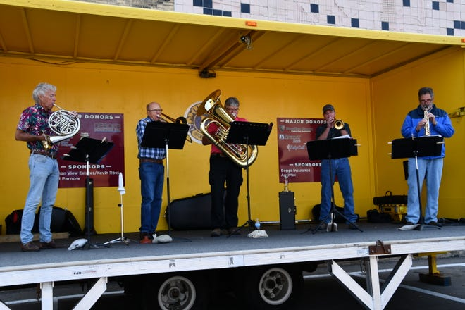 Brass ensemble played on the Lions stage