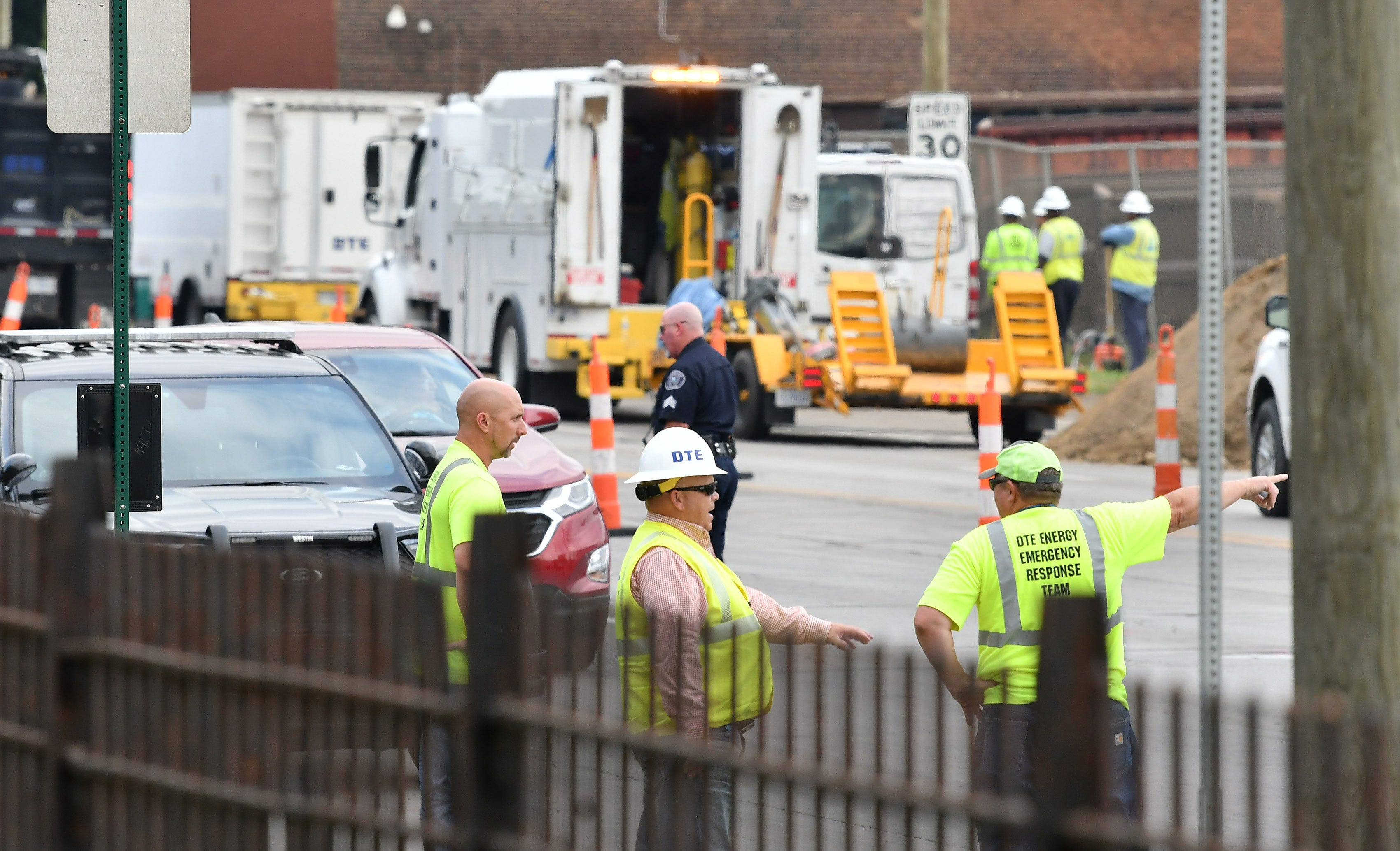 Gas line moved near odd eruption in SW Detroit; no evacuation planned