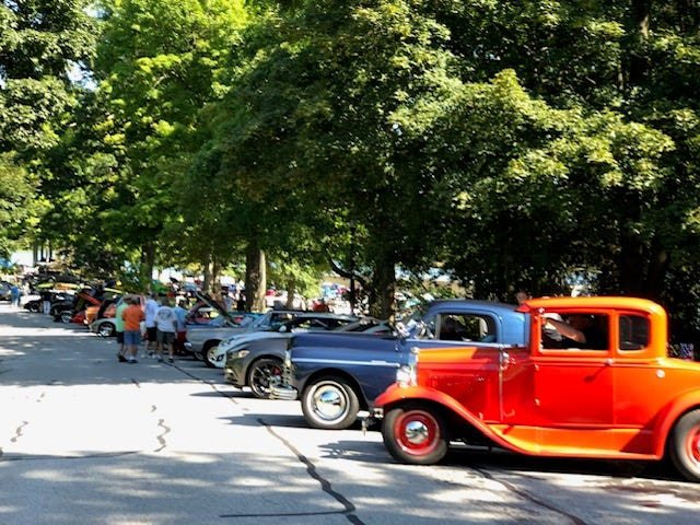 The Cruisin' the Boulevard Classic Car Show will happen from 11 a.m. to 3 p.m. on Sept. 19 along Silver Lake Boulevard and near the Silver Lake boathouse. This photo was taken at the 2019 event.