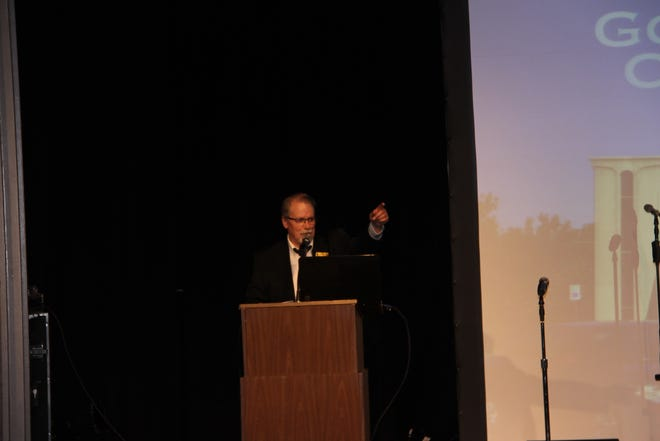 Goddard Center Executive Director Ken Bohannon speaks at the campaign kickoff on Friday night.