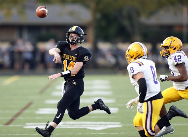 Simon Monnin has played well as Upper Arlington's starting quarterback, complementing the running of Carson Gresock. During the Golden Bears' 4-0 start, Monnin completed 36 of 57 passes for 570 yards with six touchdowns andone interception.