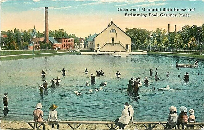 A postcard shows the Greenwood Outdoor Pool in Gardner.