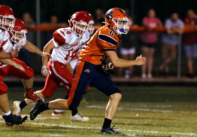 Pana junior quarterback Max Beyers has completed 23 of 45 pass attempts for 552 yards, eight touchdowns and just one interception. On the ground, he leads the team with 371 yards and four touchdowns.