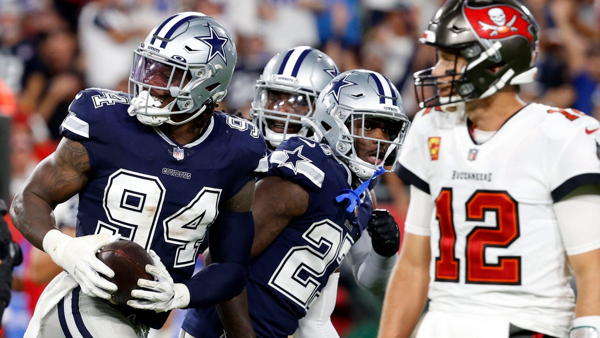 Cowboys DE Randy Gregory tests positive for COVID-19; what that means vs. Chargers