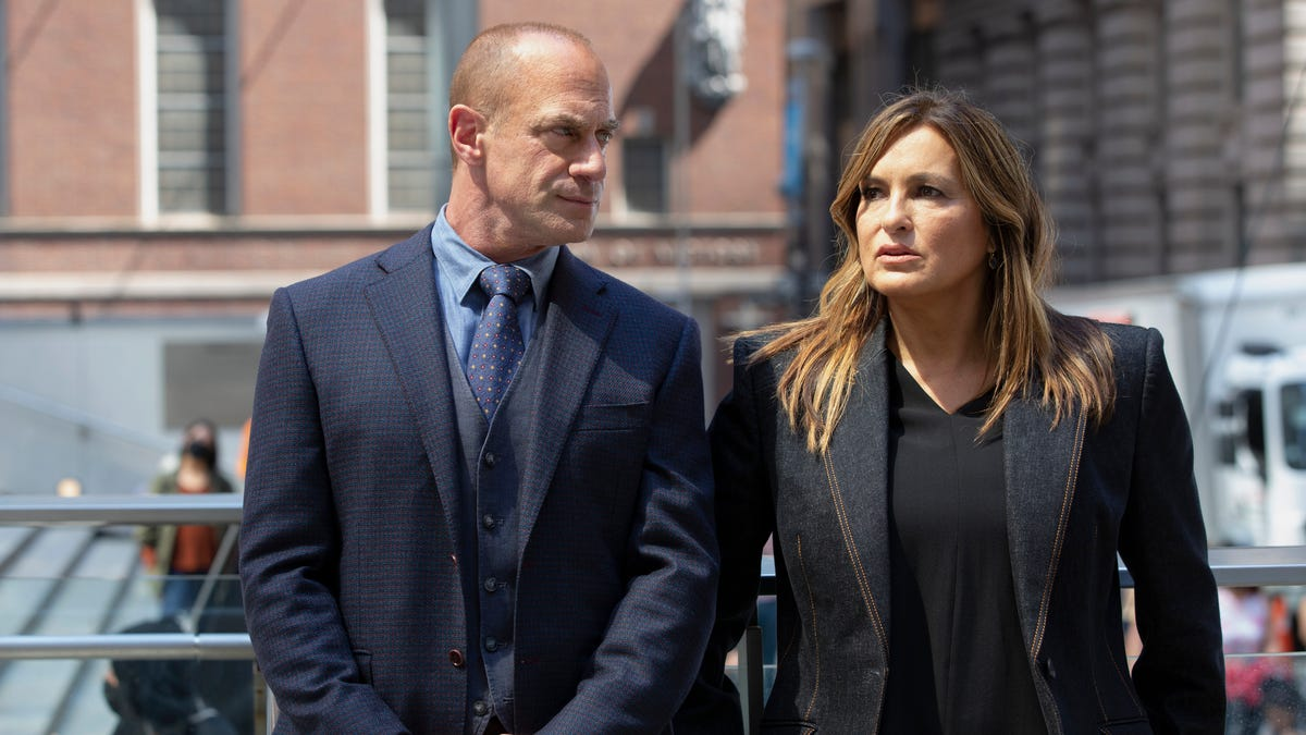 Christopher Meloni lays odds on a 'Law & Order' Stabler-Benson romance: 'Hope springs eternal'