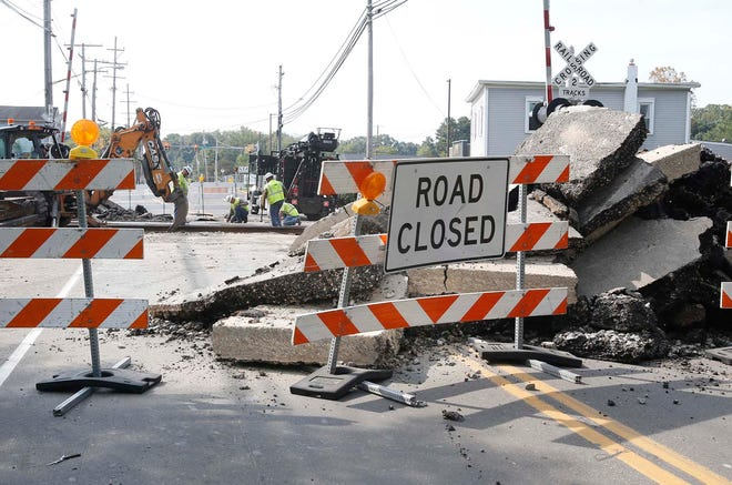 Route 91 has reopened to traffic a day earlier than announced  through Munroe Falls after repairs to the railroad crossing have been completed. The section of the road had been closed since Sept. 13..